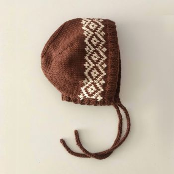 Macadamia Bonnet - chocolate